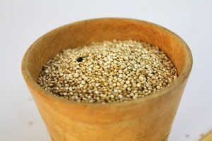 bowl of uncooked amaranth