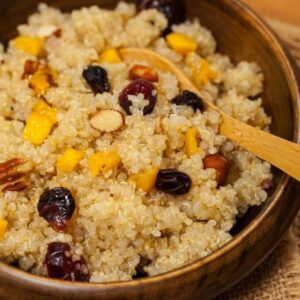 Bowl of quinoa- a leaky gut food to avoid because it is a pseudograin.